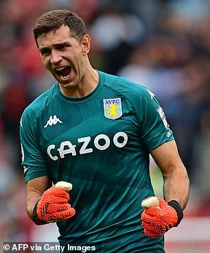 Emiliano Martínez ya no necesitará estar aislado después de que el argentino fuera eliminado de la lista roja del Reino Unido